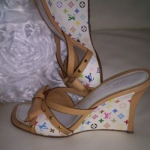 Louis Vuitton 🔥 heels~39